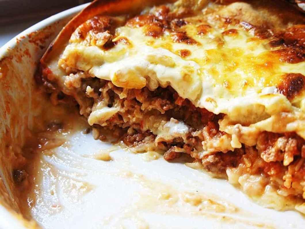 Receita de Lasanha de carne moída com queijo e presunto