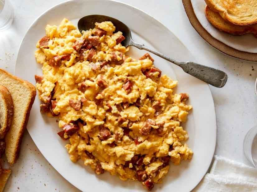 Receita de Ovos Mexidos com Salsicha