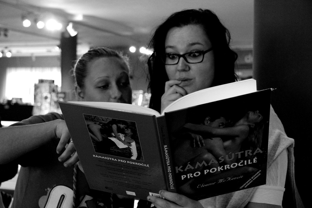 Kámasútra - polohy, kniha, kostka, pdf a různé sexuální hry