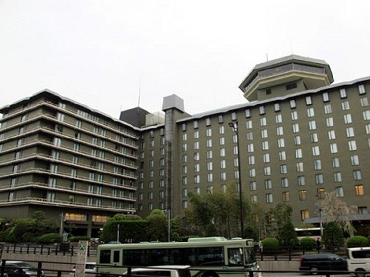 08-hotelb