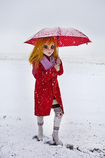 Yellow Hair/Red Coat/Umbrella/Snow, 2014