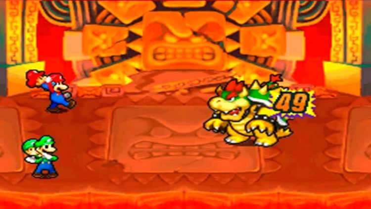 Mario y Luigi se enfrentan a Bowser y Bebé Bowser, con la ayuda de Bebé Mario y Bebé Luigi en Compañeros en el tiempo (Nintendo DS, 2005).