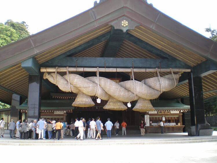 Año nuevo japonés - Shimenawa grande de Izumo-Taisha