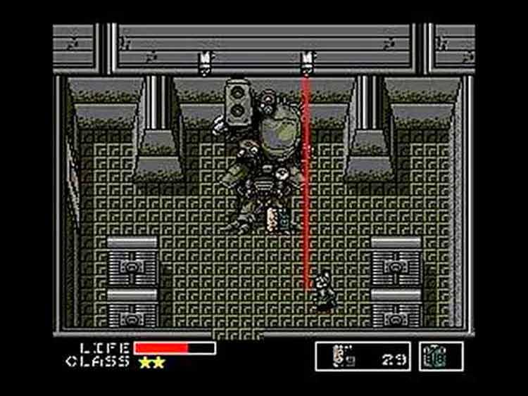 Solid Snake se enfrenta a Metal Gear TX - 55, el enemigo final de Metal Gear (1987).