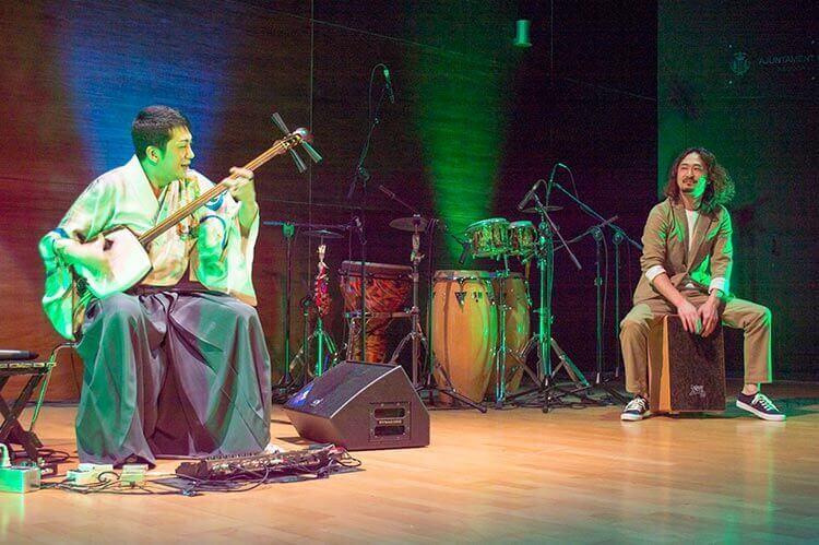Kenichi Yoshida con su amigo Yuki Tsuchida en el concierto de Valencia.