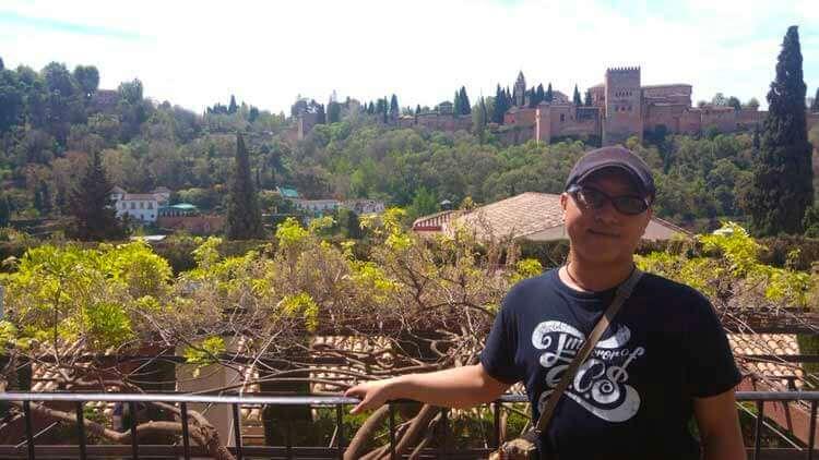 Otomania, en su visita a la Alhambra y el Albaicín de Granada.