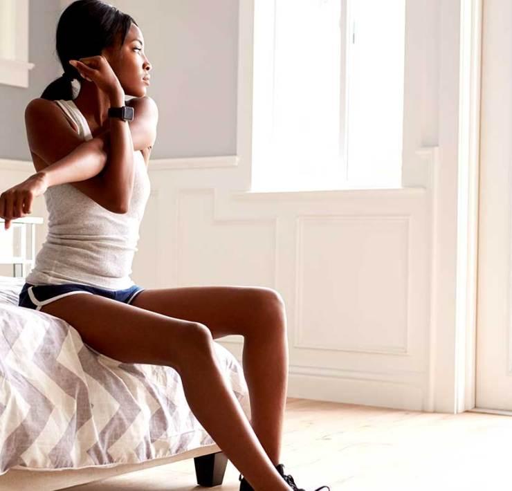 睡前必做!六個躺床鍛鍊肌肉的輕運動