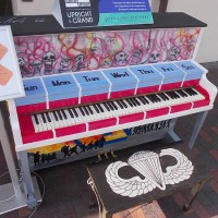 Pianos placed around San Diego for public to play!