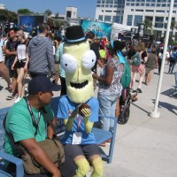 Comic-Con! Huge crowds! Cool cosplay! Crazy Fun!