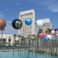 Cartoon Network character balloons take flight!