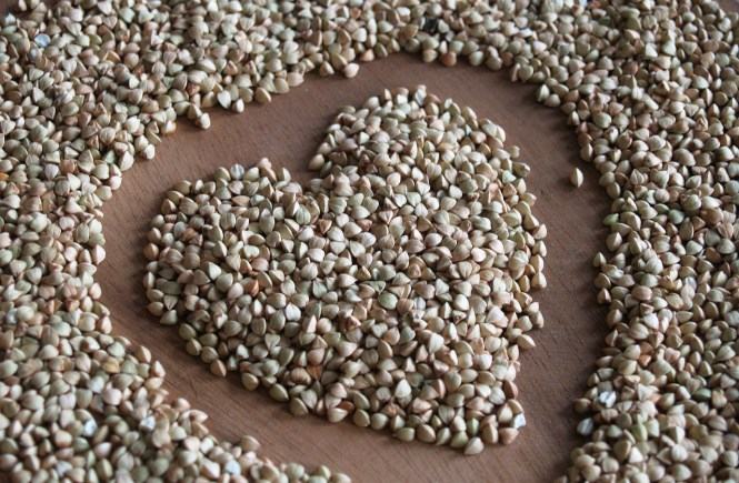a buckwheat seeds heart