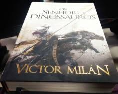Os Senhores de Dinossauros (Lendo)