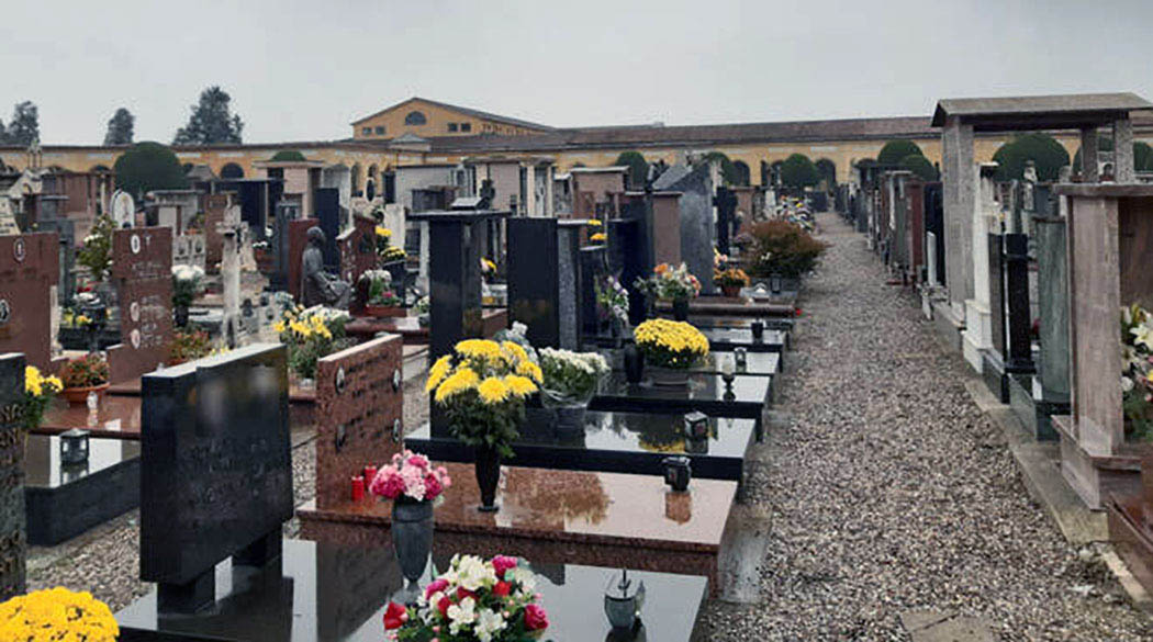 Burials doubled at Piacenza Cemetery, but the organization keep up
