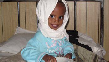 No hace falta tanto para tenerlo todo: Alimentando sonrisas contra la desnutrición en Etiopía africa alegria gambo dr alegria gambo