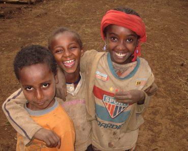 """""""Apadrina l'ingrés i el tractament dels nens amb desnutrició severa d'Etiòpia."""""""