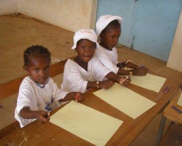 Escolarizar niños huérfanos de Kolda, Cassamance, Senegal
