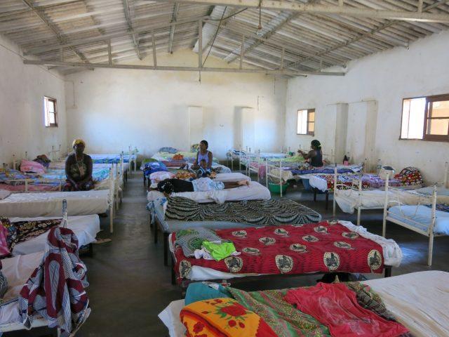 En África occidental la principal causa de muerte sigue siendo la diarrea y la neumonía, favorecidas por la desnutrición africa