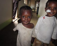 Escribid a nuestr@s niñ@s apadrinad@s de Etiopía