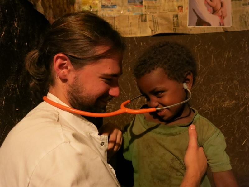 Derecho a vivir y no tan solo a sobrevivir africa alegria gambo dr alegria gambo