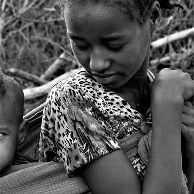Mutilando el dolor: Etiopía lucha contra la mutilación genital femenina africa alegria gambo alegria sin fronteras dr alegria etiopia gambo
