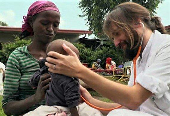 La medicina es un acto de Amor africa dr alegria
