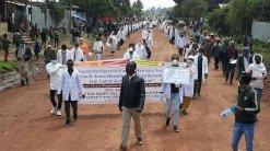 campaña-de-sensibilización-en-los-poblados-junto-a-las-autoridades-sanitarias-de-la-región-34168839046682261774.