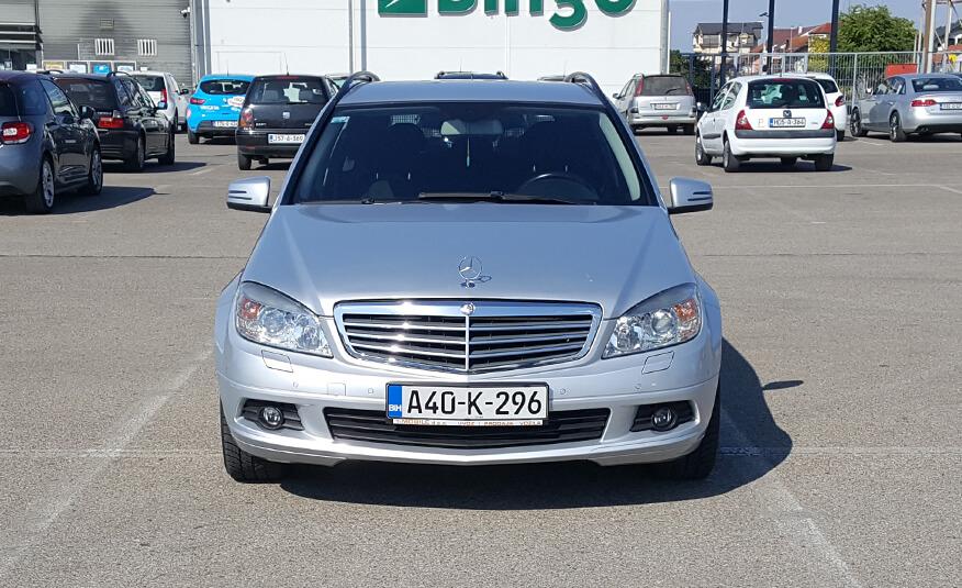 http://Mercedes%20C220%20CDI%202011%20karavan%20prva%20slika