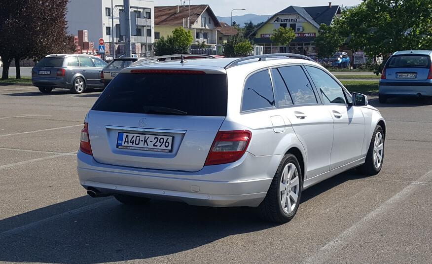 http://Mercedes%20C220%20CDI%202011%20karavan%20sesta%20slika
