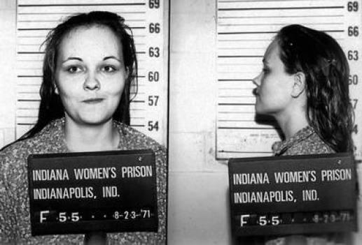 Ficha policial de Paula Baniszewski, en el momento de su detención
