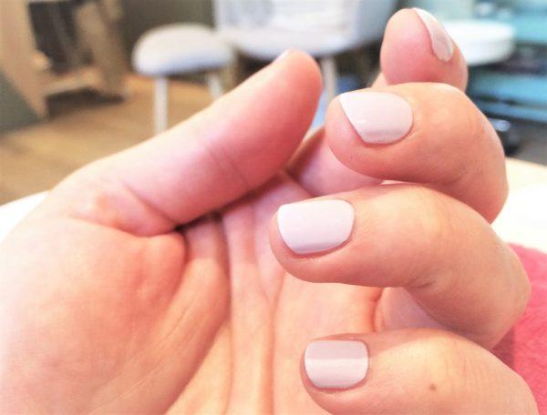 comment réparer des ongles qui se dedoublent