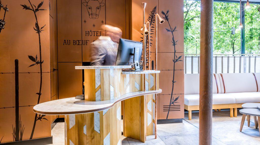 accueil hotel au boeuf couronne paris