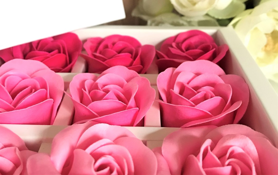 coffret roses foreo