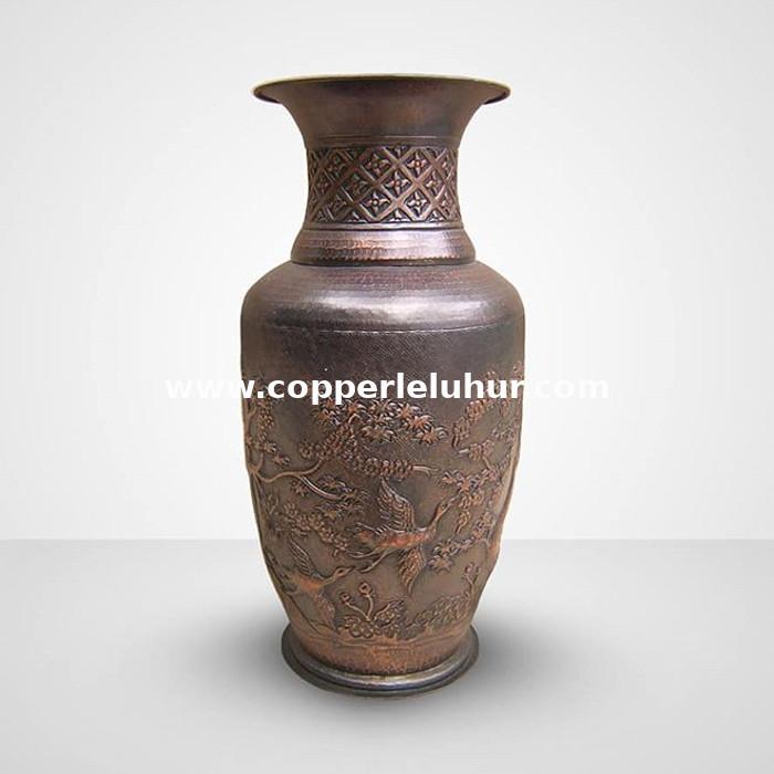 Kerajinan vas bunga dari tembaga