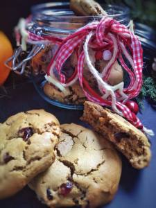 Perfect vegan cookies, slightly crisp, chewy and full of flavour