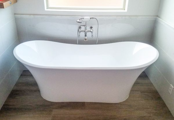 Gallery: New Tub Installation with Faucet