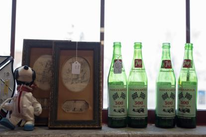 Dutch Lady Antiques 7up Bottles