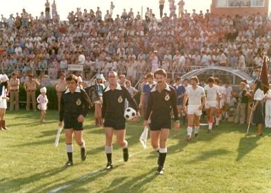 Masiva asistencia de aficionados al Sánchez Cánovas en la temporada 1975-76, en Preferente.