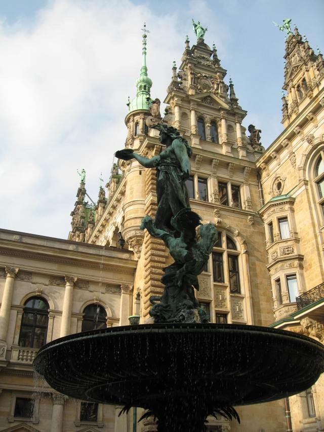Fountain Hamburg townhall