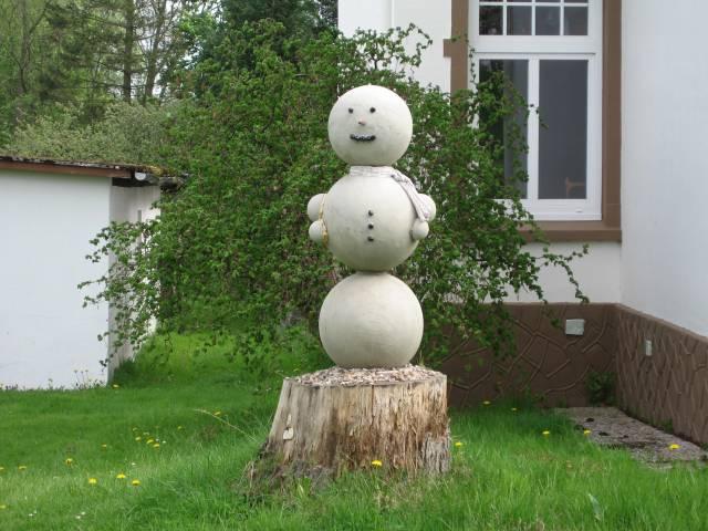 Osten snowman
