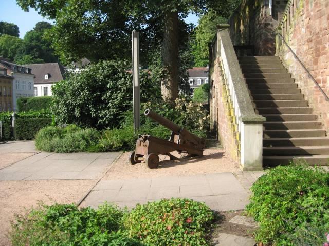 Saarbrücken castle cannon