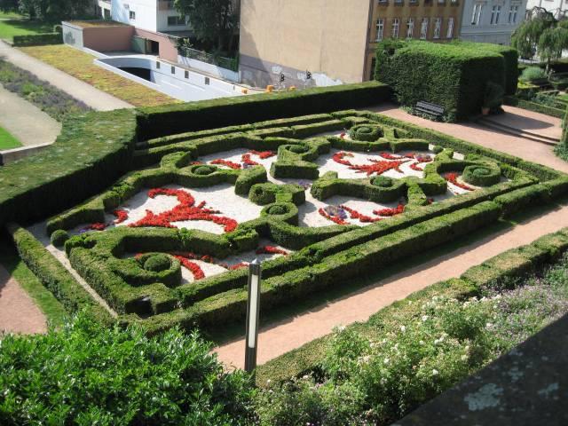 Saarbrücken castle baroque garden