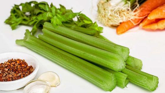 Ингредиенты для приготовления сельдереевого блюда