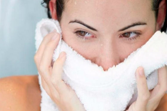 Использование полотенца для распаривания