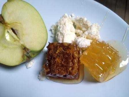 как едят мед в сотах