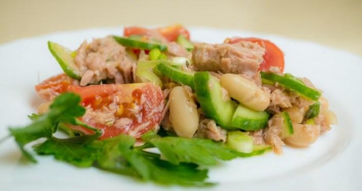 9 диетических салатов вместо ужина. Ешь даже после 10 вечера — всё равно похудеешь