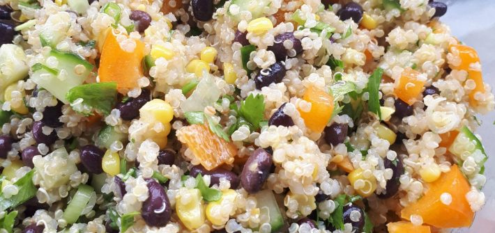 Salade de quinoa et haricots noirs. Summer black bean and quinoa salad.