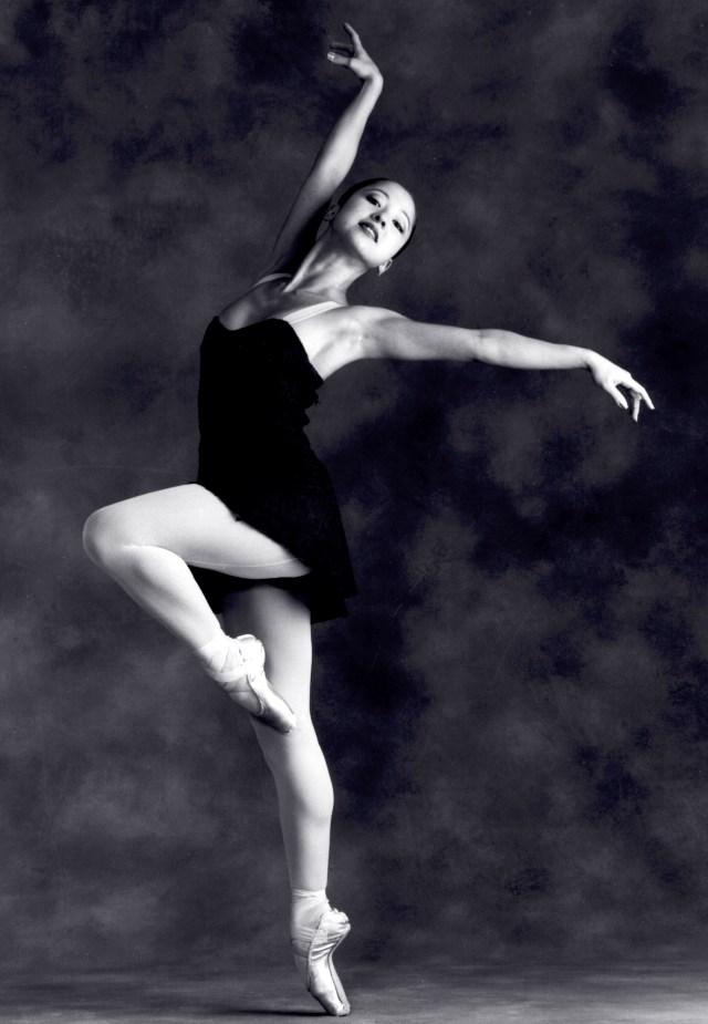 Ballet dancer on point