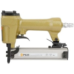 This image illustrates the narrow design of the P625 Pneumatic Air Pin Nailer that contributes to its excellent ergonomics which is a must-have feature for the best cordless pin nailer
