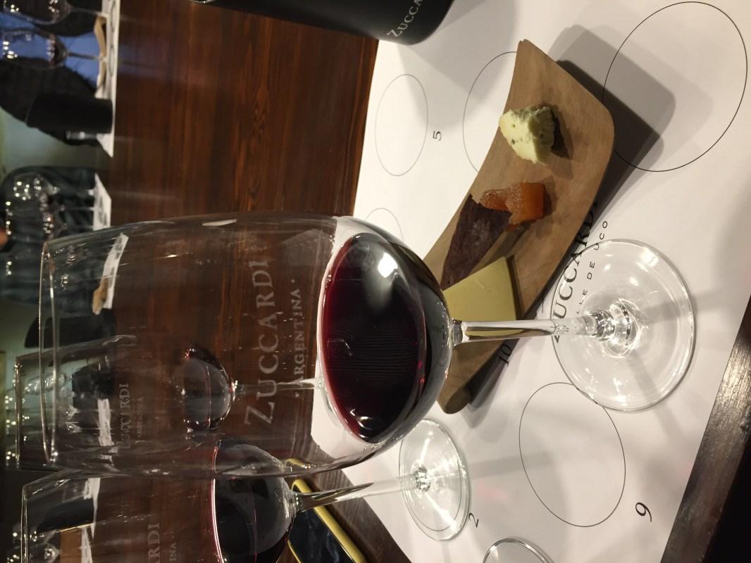 Cata de vino en Piedra Infinita