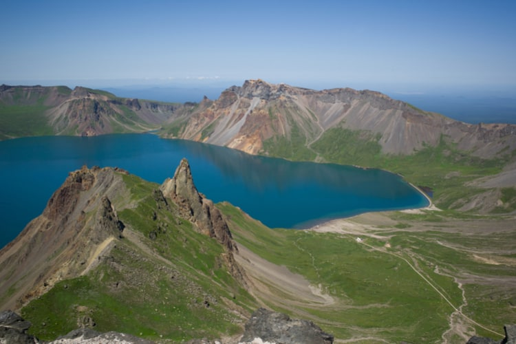 Mount-Paektu.jpg